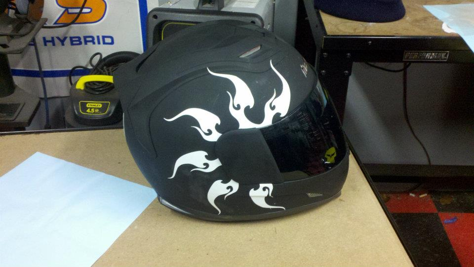 CUSTOM MOTORCYCLE HELMET DECALS And MOTORCYCLE HELMET STICKERS - Vinyl wrap for motorcycle helmets